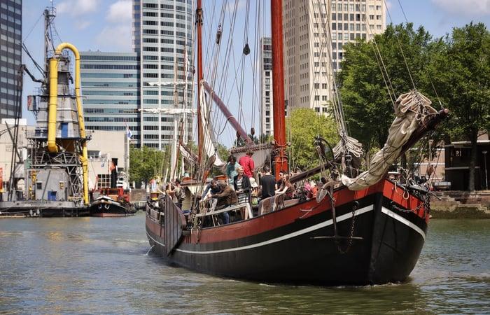 Binnenvaartschip Helena